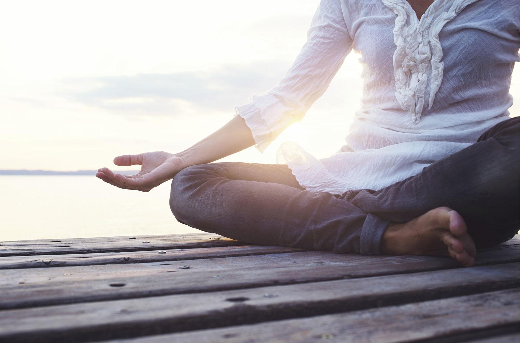 Annette Sloly, Bristol London Hypnotherapist Therapy Therapist Story Meditation